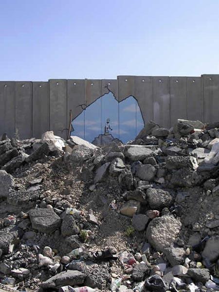 banksy-palestinian-sandcastles